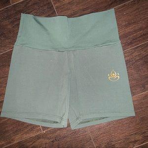 SOLD✨Shakti Activewear Shorts